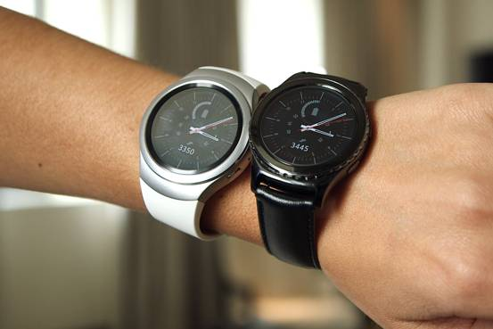Samsung Gear S2 Reviewed: Has Samsung Flopped With This Wearable ...